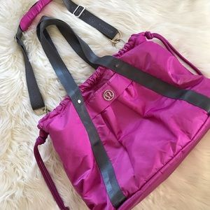 Lululemon Effortless Tote bag